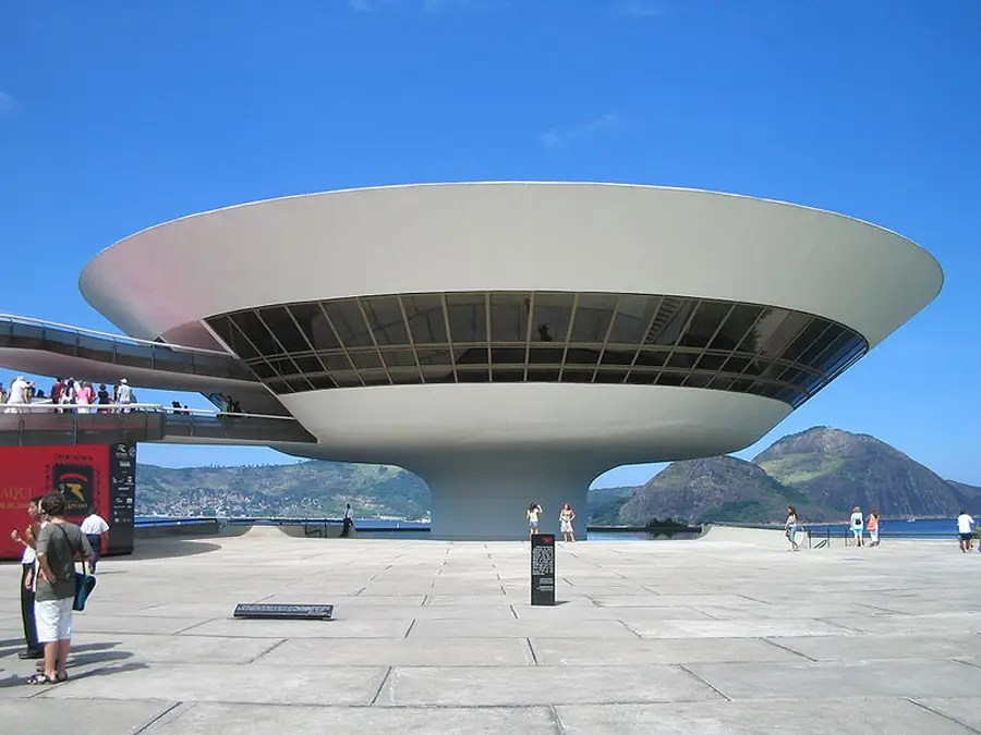 Located in Rio de Janeiro, the Niterói Contemporary Art Museum was completed in 1996. (Niemeyer returned to Brazil in the mid-1980s after a government change.)