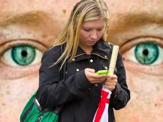 mark zuckerberg eyes girl phone facebook