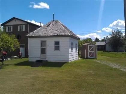 A petite house on a big lot.
