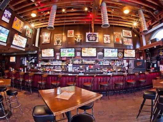 901 Bar & Grill –Los Angeles, CA