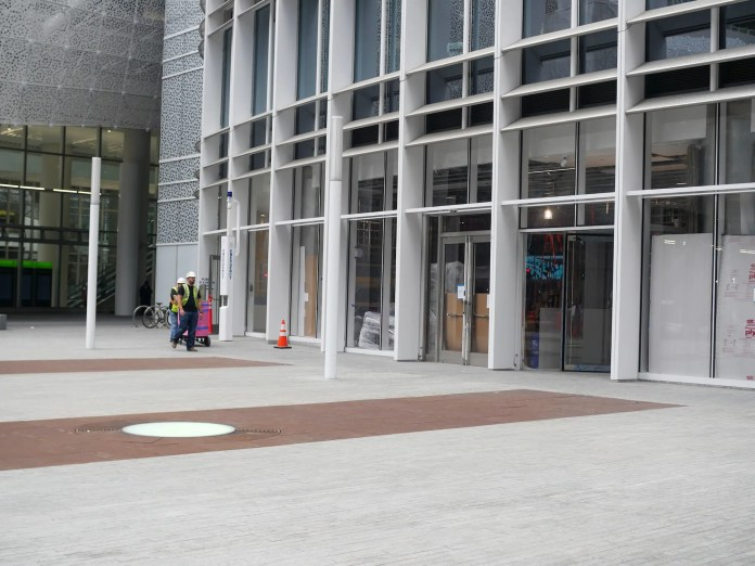 Bus service through San Francisco's .2 billion transit center has finally resumed after a cracked beam halted service for the better part of a year — take a look around