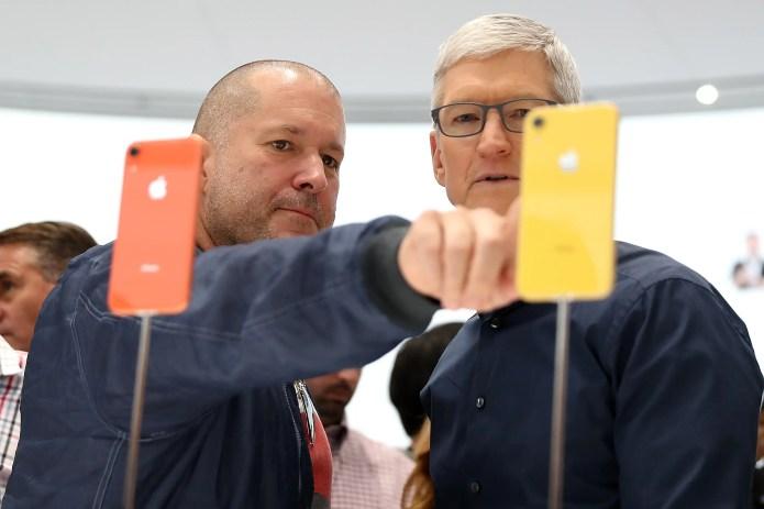 Tim Cook Jony Ive iPhone XR