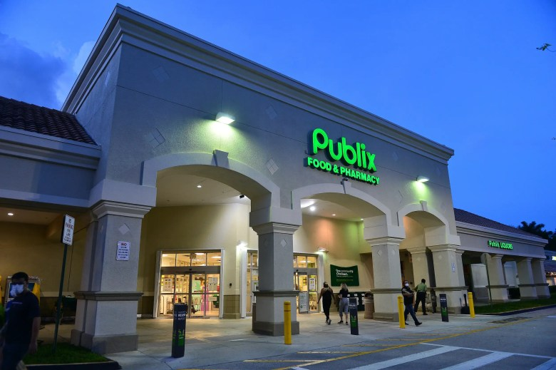 Publix grocery store night