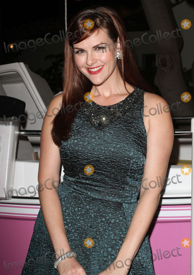 Sara Rue Pictures and Photos