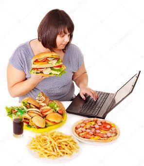 yemek yeme görselleri ile ilgili görsel sonucu tıkınırcasına yeme bozukluğundan nasıl kurtulurum? - depositphotos 10526785 stock photo woman eating junk food - Tıkınırcasına Yeme Bozukluğundan Nasıl Kurtulurum?