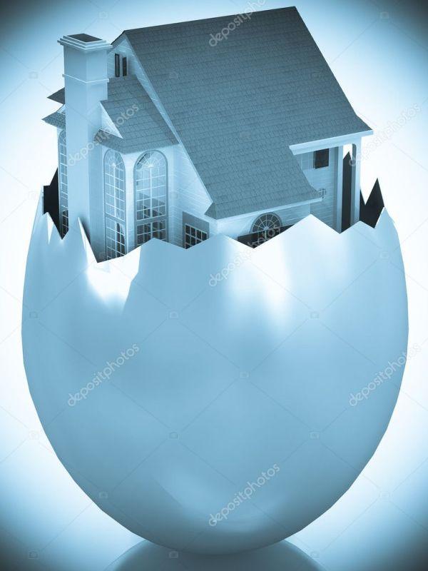 3D дома, появляясь в Разбитое яйцо корпуса — Стоковое фото ...
