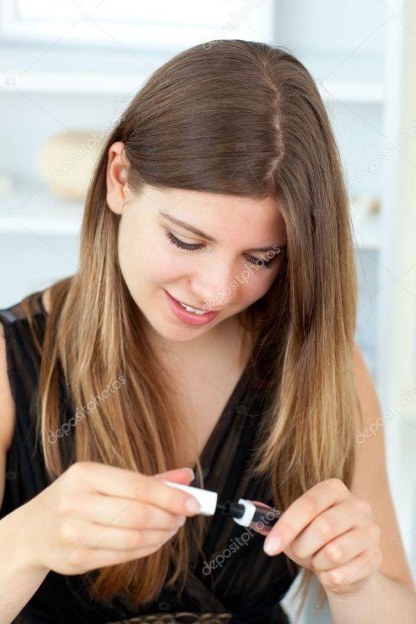 Портрет красивой молодой женщины с тушью — Стоковое фото ...
