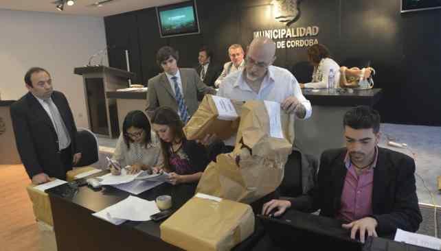 LICITACIÓN. Las empresas presentaron sus ofertas económicas (Archivo/La Voz).