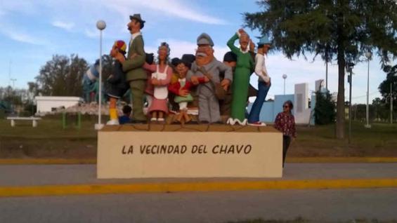PILAR. El Chavo y el Chapulín armaron un  lío (La Voz).