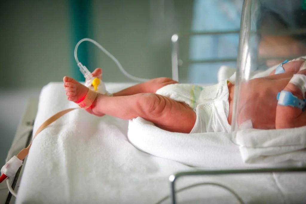 Palermo: un bimbo di 2 mesi e uno di 11 anni ricoverati in gravi condizioni  per Covid