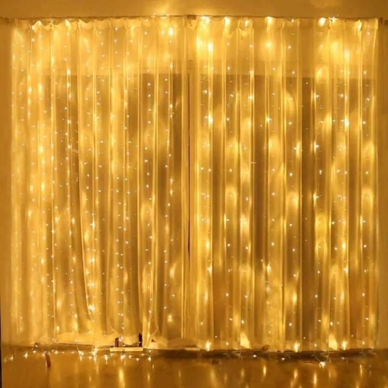 Un classico dei prodotti natalizie le nostre tende luminose sono ideali per spazi esterni e terrazze. Le 10 Migliori Tende Luminose Natalizie Prezzi A Confronto