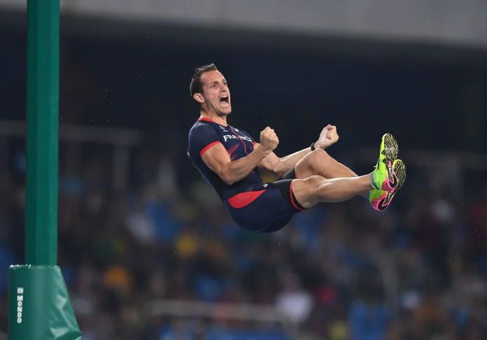 France's Renaud Lavilini competes in