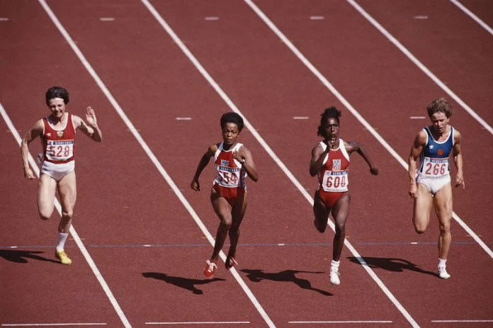 Gwen Torrence competing in the 1988 Seoul Olympics.