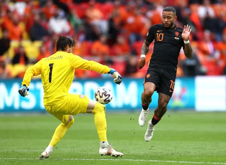 Depay continued his fine scoring form in the tournament with a first-half goal.