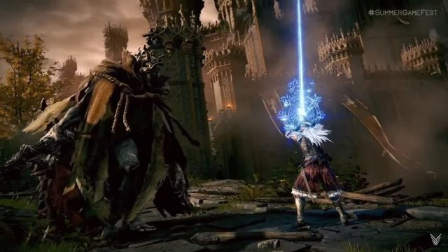 Magic usage through weapons (Image via FromSoftware)