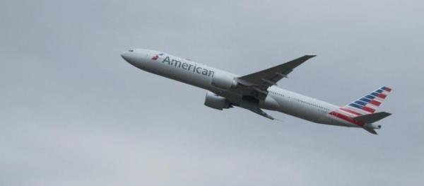 10 people hospitalized after American Airlines flight hits ...