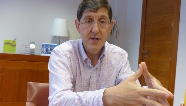 Manuel Villegas.