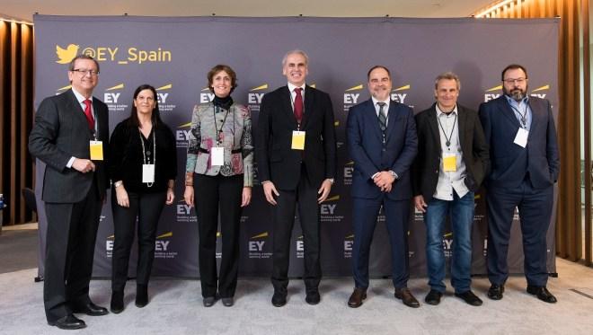 Foto de familia de la presentación del estudio sobre modelos de acceso a fármacos en inmunoncología, de EY y BMS, este miércoles en Madrid.