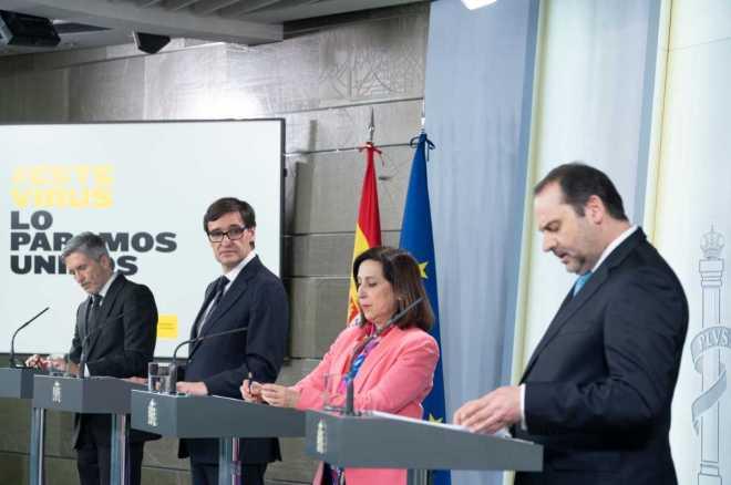 Los ministros del Interior, Fernando Grande-Marlasaka; de Sanidad, Salvador Illa; de Defensa, Margarita Robles y de Transportes, José Luis Ábalos.