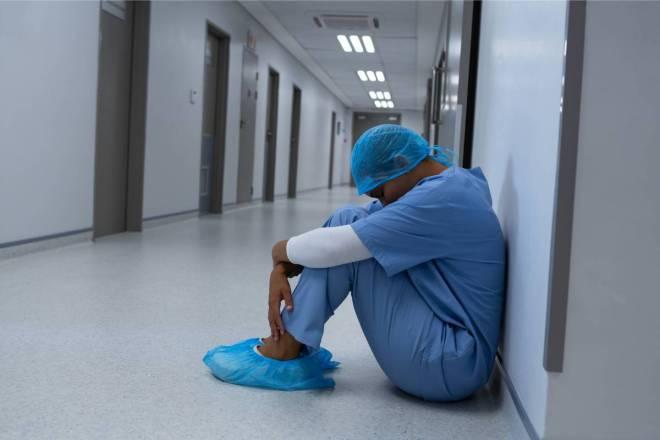 El 35% de los profesionales contagiados en Castilla y León son enfermeras, según el gobierno autonómico.