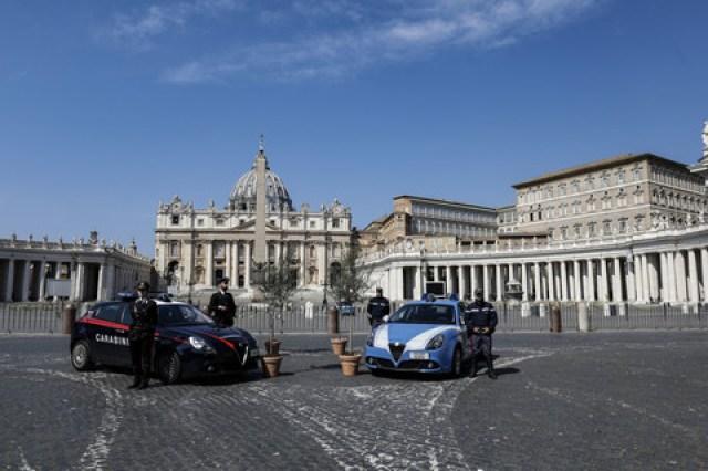 Domenica delle Palme a piazza San Pietro senza fedeli