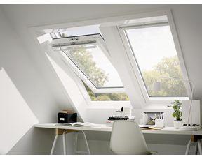 fenetre de toit velux confort a rotation bois blanc