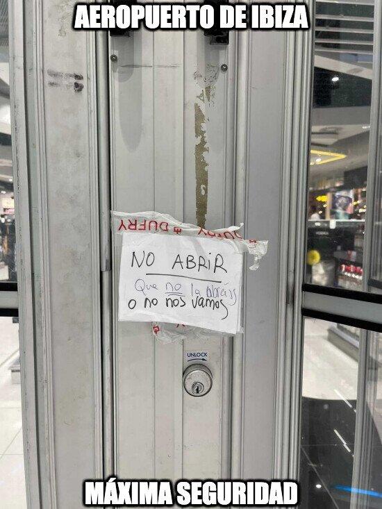 Máxima seguridad en el Aeropuerto de Ibiza