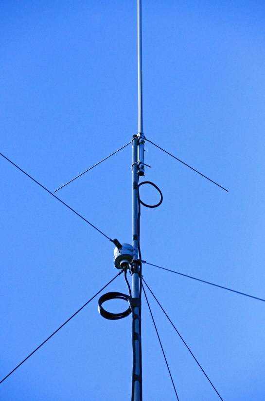 Antenna Feed Point Connection Details