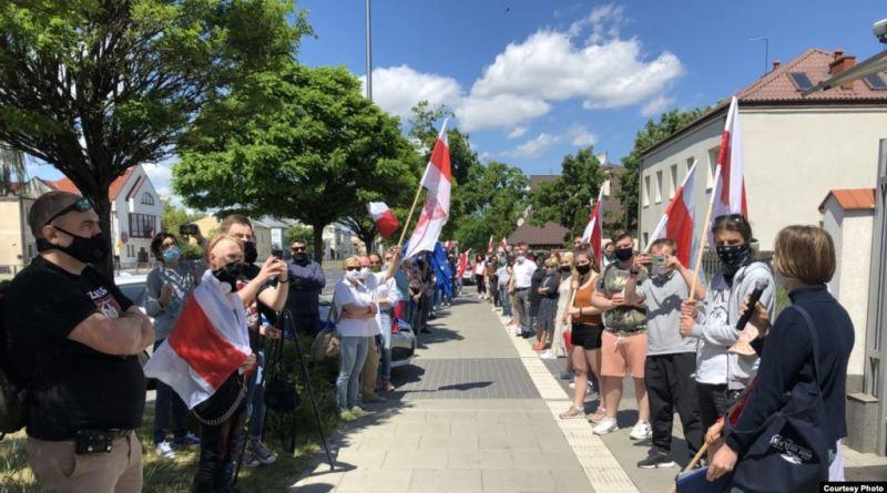 У Варшаве прайшла акцыя падтрымкі барацьбы за дэмакратыю ў Беларусі