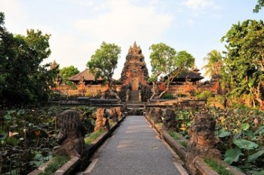 shutterstock_262525919_Bali_temple