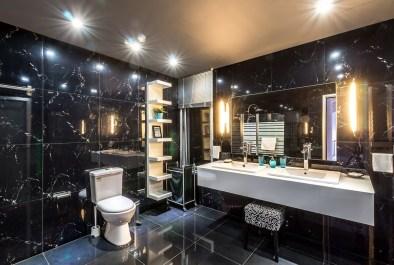 Koupelna v černé barvě