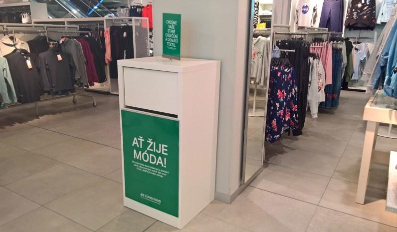 Box v H&M na starý textil