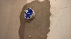 Upevnění podomítkového termostatického modulu pomocí zdící malty
