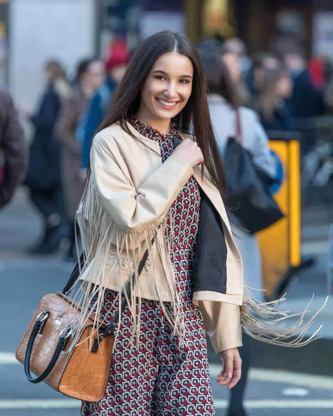 Top 10 Teenage Girls Fashion Trends Practical Teen