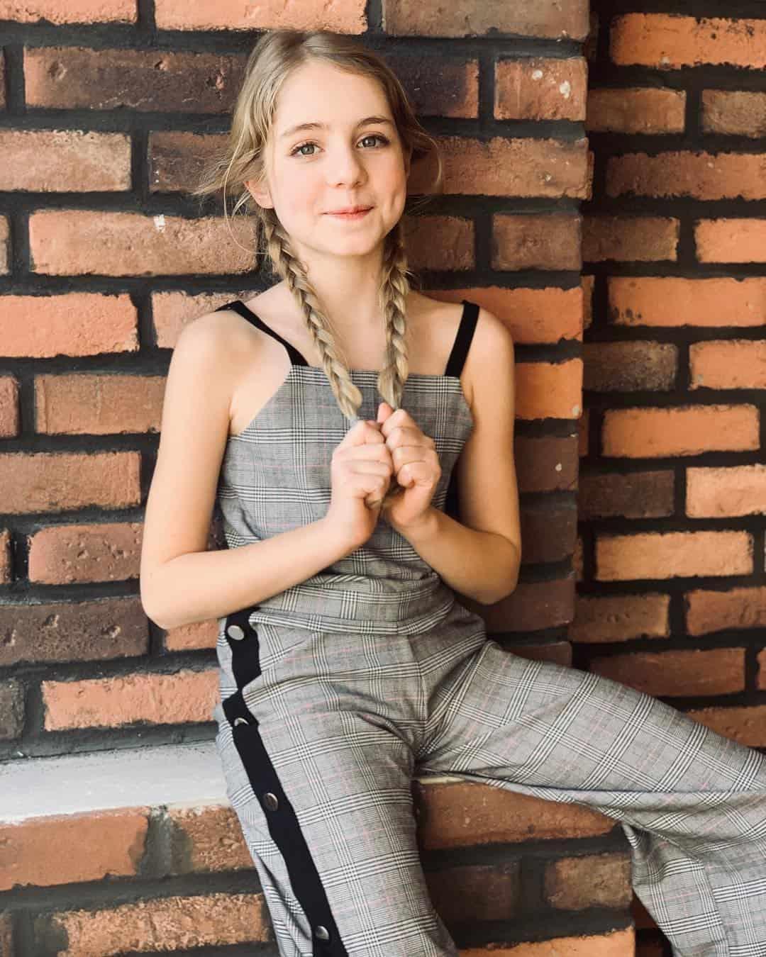 Top 10 Teenage Girls Fashion Trends Practical Teen