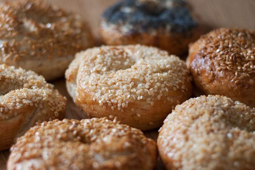 Seeded bagels