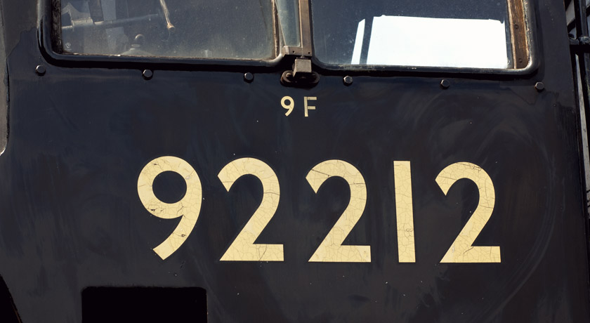 Gold numbers on black train