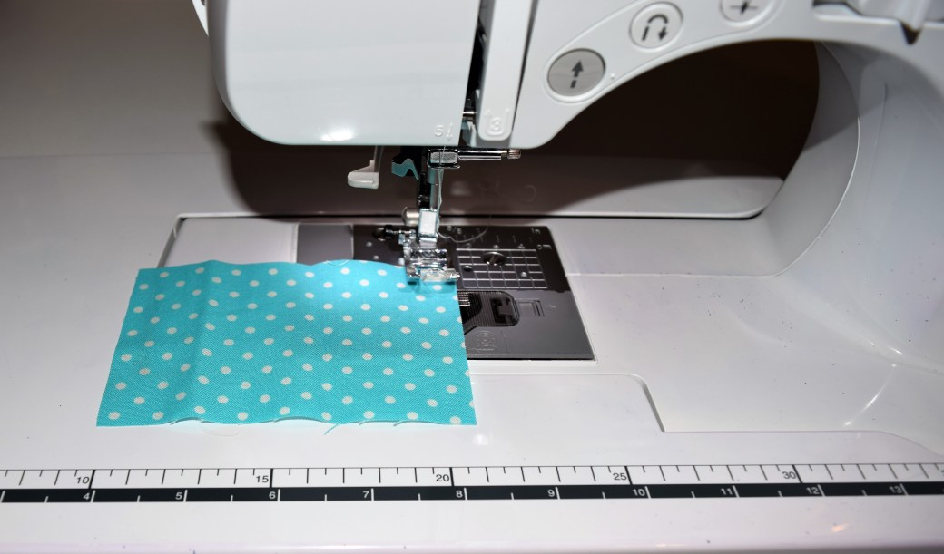 Step-by-Step Quilt Along for Beginner's. Learn all the steps from start to finish to sew your own beautiful baby quilt. Includes must know tips, how to ensure a perfect inseam and quilting hacks. Check this guide out and get started creating your own beautiful baby quilt! Repin now for later!