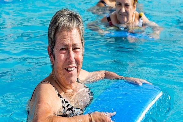 La thérapie de l'eau pour la fibromyalgie peut aider à soulager la douleur