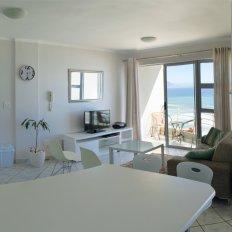 Sunbird's Rise Lounge Sea View