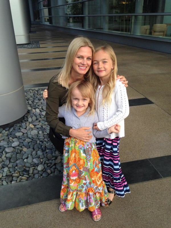 Moms who balance healthy living with motherhood. This week feature's Paleoschmaleo's Kim Adams!