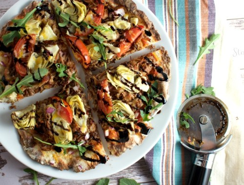 2 ingredient pizzas high in protein and perfect for baking or grilling. My family loves these!
