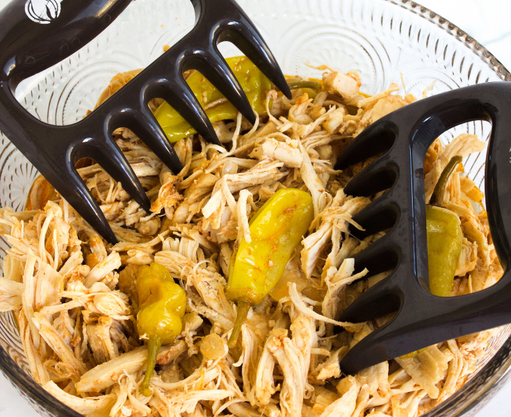 macro friendly Mississippi chick in your slow cooker or pressure cooker #stayfitmom #slowcookerrecipe #instantpotrecipe #chickenrecipe