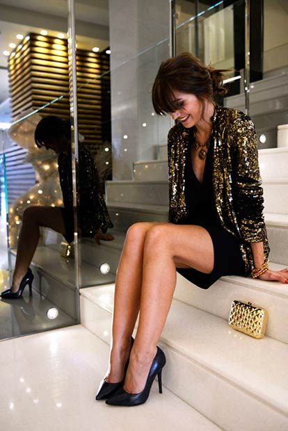 Black and Gold Sequin Outfit for Christmas