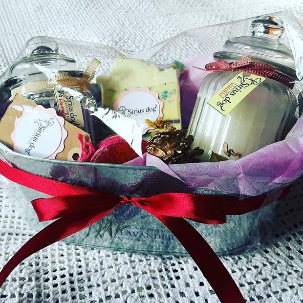 21 DIY Gift Basket Ideas for Christmas