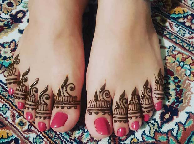 Henna Design for the Toes