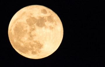 月の満ち欠けと夫婦喧嘩。満月とトラブルは関係している?