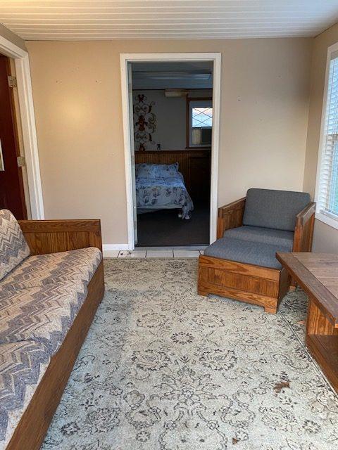 The Andrea - Sun Porch into Bedroom - Stay In Ohiopyle