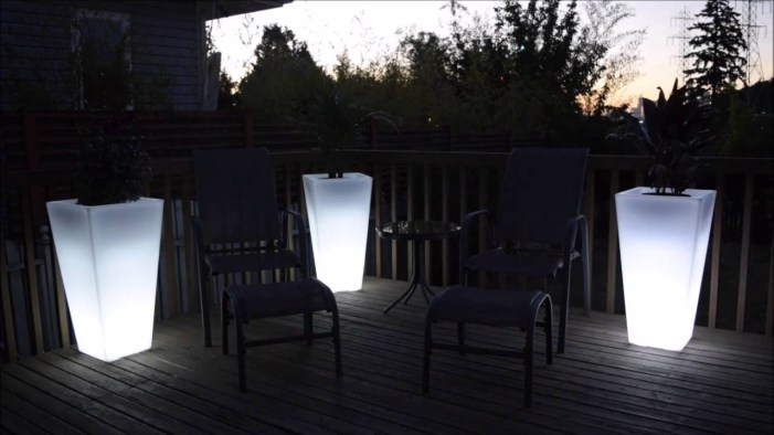 outdoor lighting ideas for patios - pots and planters