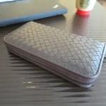 ボッテガヴェネタの長財布はヤフオクでも売ってるけど・・・